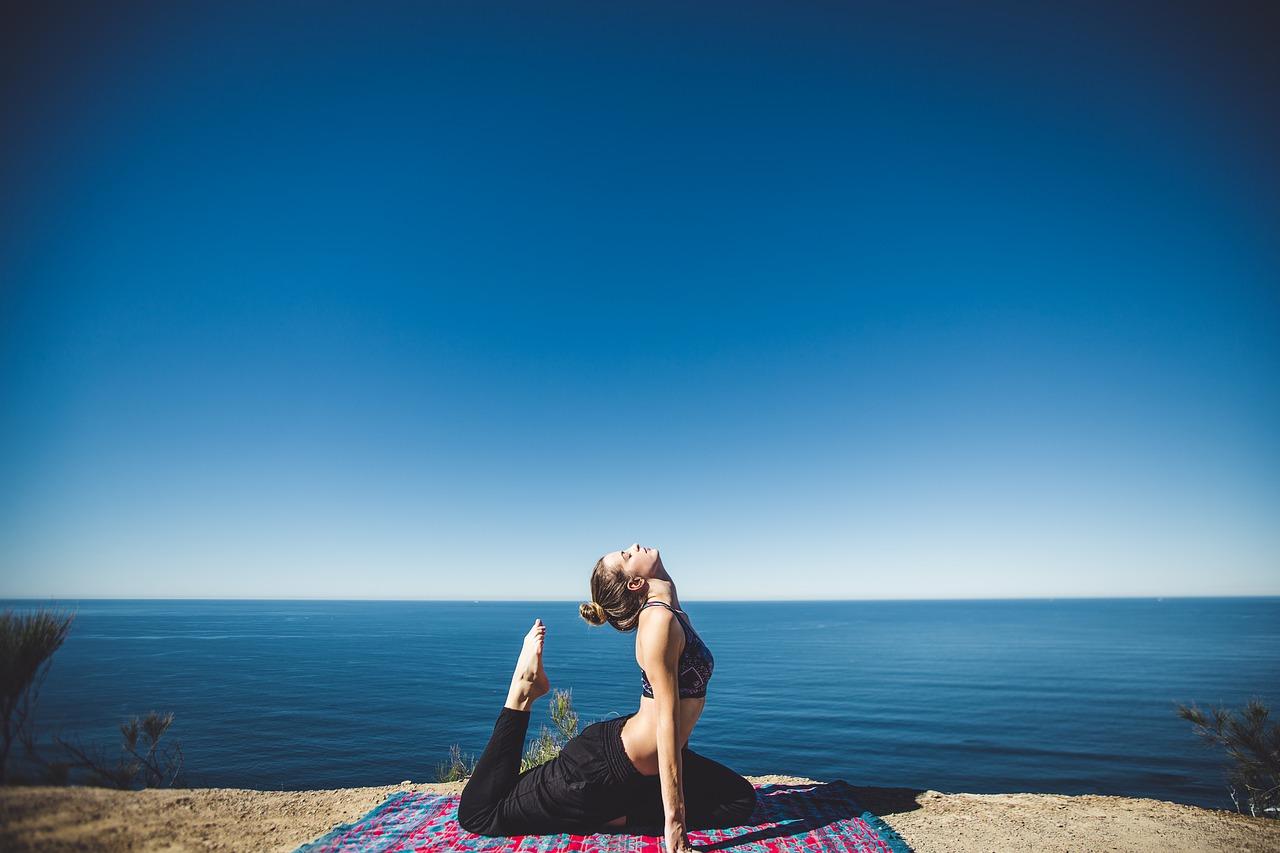 8 conseils pour débuter le yoga